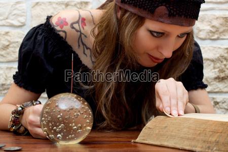 kobieta womane baba planowanie interpretowac reka