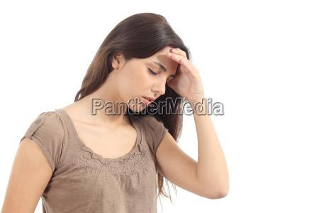 kobieta z bolem glowy i reka
