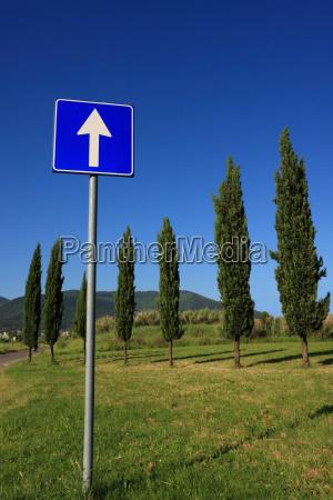 tarcza sygnal znak kierunek znak drogowy