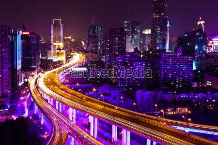 metropolia ruch drogowy transport noc nocy