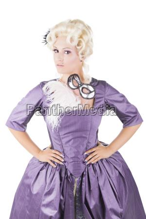 portret mlodej pieknej blondynki barok ubranej