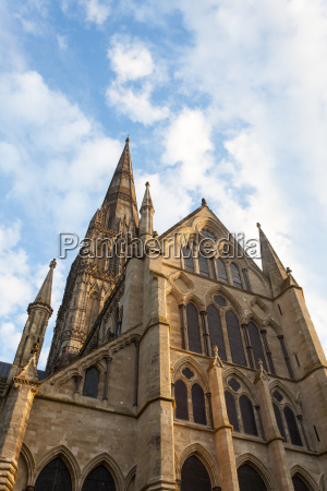 historyczny kosciol niebo raj niebiosa katedra