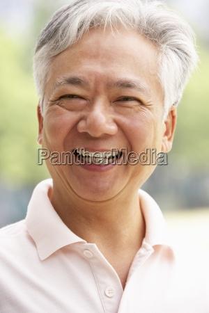 glowa i ramiona portret senior chinese