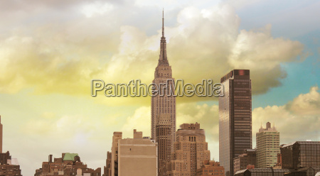 wonderful view of manhattan skyscrapers with