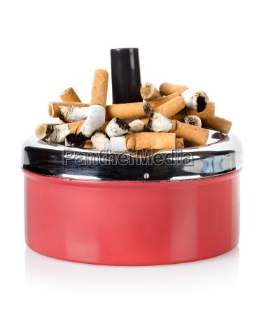 papierosy i stara popielniczka