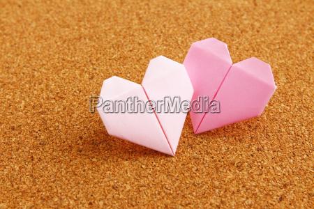 origami, kolorowe, serce, na, tablicy, korkowej - 10250079