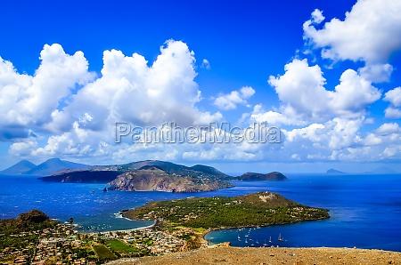 krajobraz widok na malownicze wyspy liparisycyliawlochy