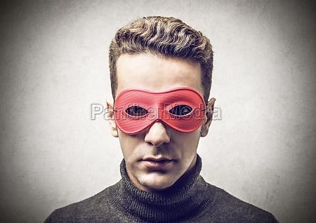 maska red eye