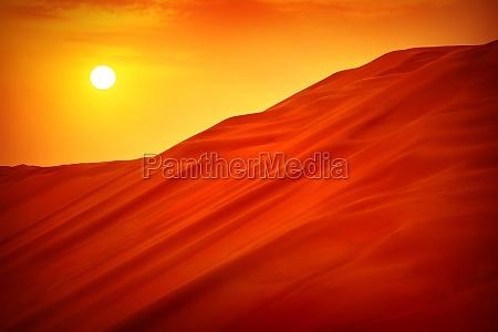 pustynny krajobraz slonca