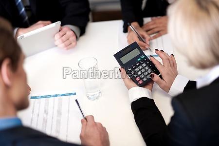 ludzie biznesu o spotkanie razem