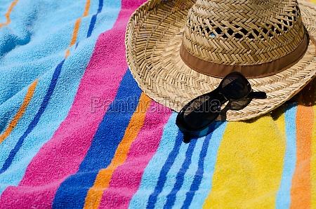 koncepcja wakacje z recznikiem plaza slonce