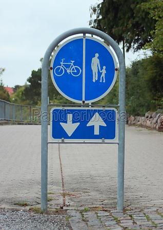 tarcza sygnal znak niebieski chodzenie zwiedzanie