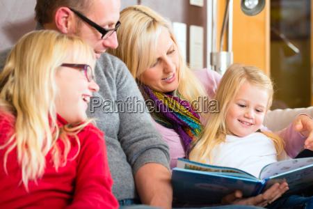 czytaj historie rodzinne w czasie