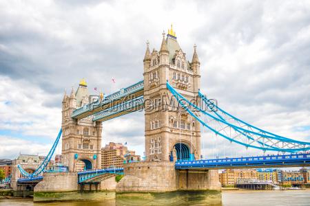 wieza pomost steg londyn tamiza british