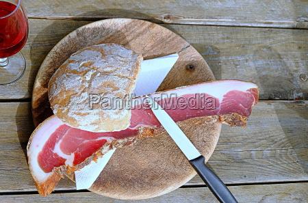 bacon danie toerggelenzeit w poludniowym tyrolu