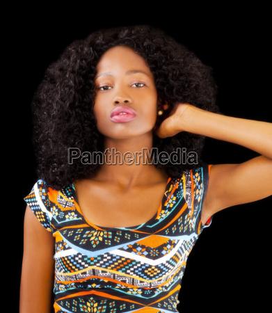 atrakcyjne african american nastolatek kobieta wzorzyste