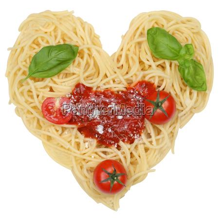 makaron spaghetti makaron zwolnione jak serce