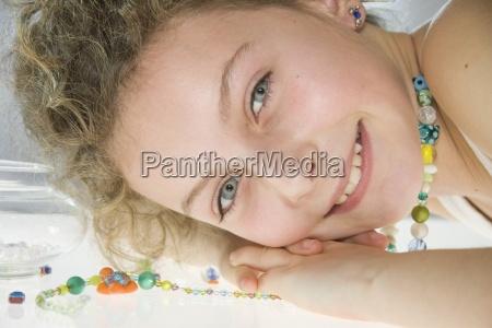 risilla sonrisas primer plano cara retrato