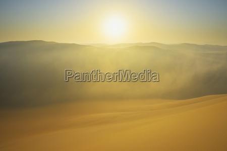 gora anhoehe wzgorze gory horyzont pustynia