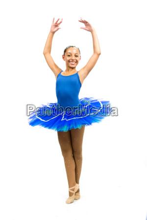 piekna tancerka baletowa z niebieskim sukienka