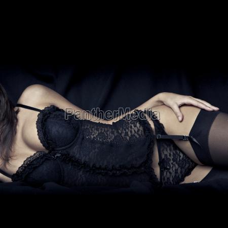 seksowna mloda dziewczyna z duzymi piersiami
