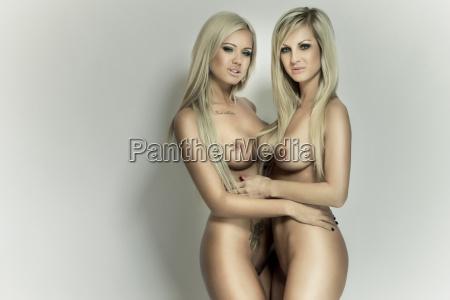 dwie seksowne dziewczyny