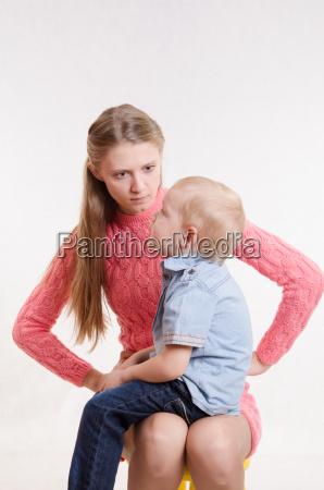 mlody matka jest zly w trzy
