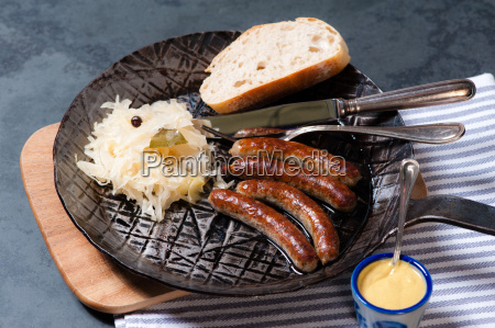 pieczywo chleb norymberga musztarda kapusta kiszona