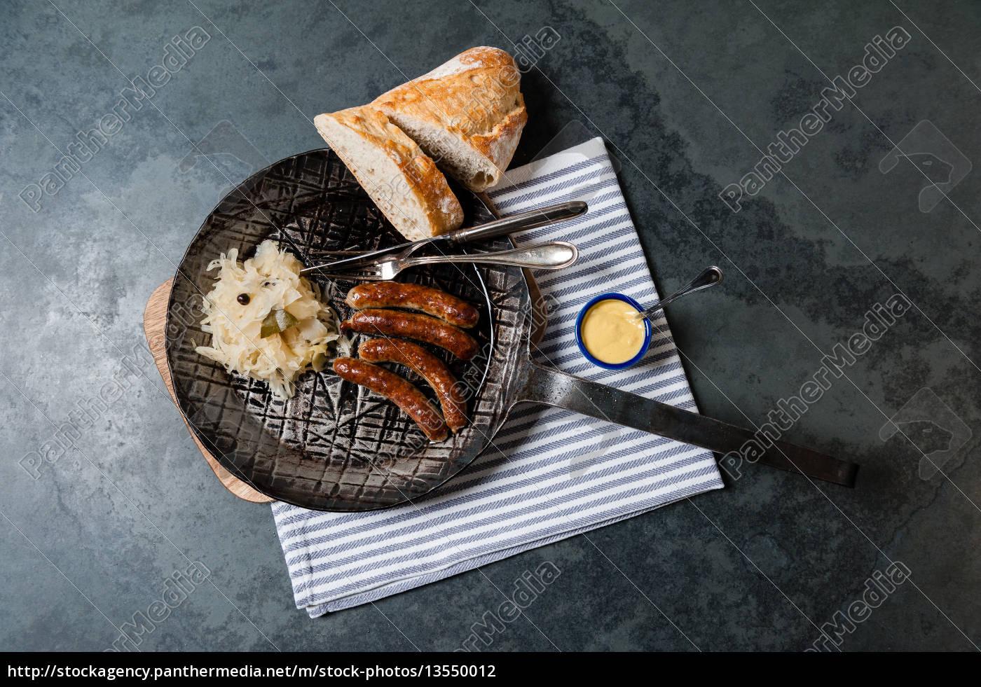 pieczone, kiełbaski, z, kapustą, kiszoną, na - 13550012