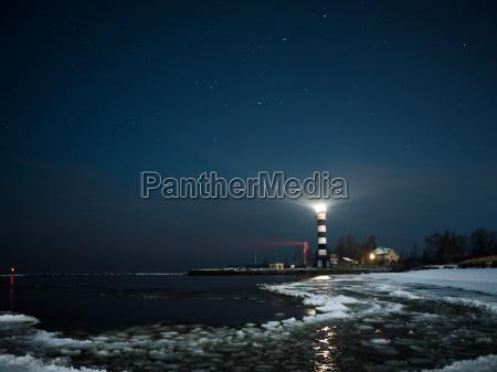 riga latarnia w gwiazdzista noc