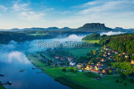 dolina laby z mostu bastei szwajcaria