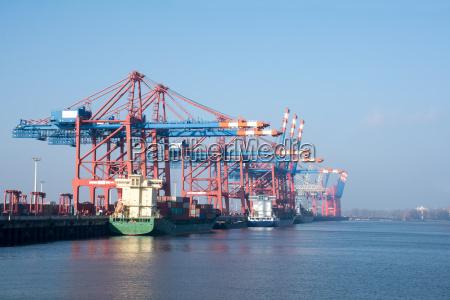 port cargo w hamburgu nad laba