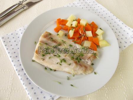ryba warzywo okon marchew kartofel ziemniak
