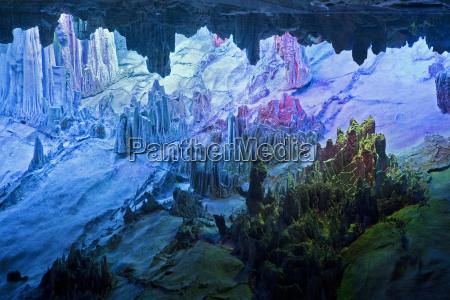 jaskinia turysta porcelana jaskinie turystka flet