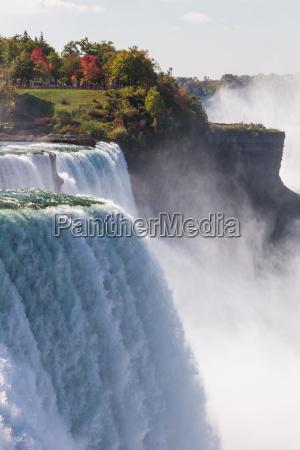 niagara falls in autumn usa