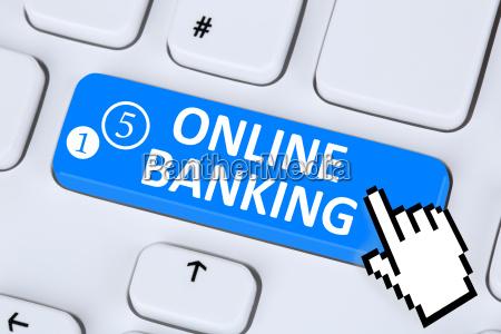 internetowy transfer bankowosci internetowej na komputerze