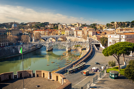 zobacz na tybru w rzymie