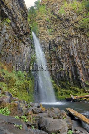 dry creek falls w columbia river