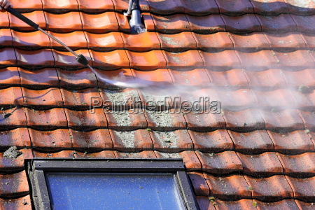 roof cleaning with high pressure cleaner