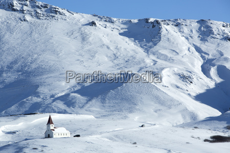 kosciol vik w zimie islandia