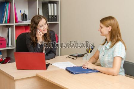 kobieta womane baba rozmowa telefon laptop