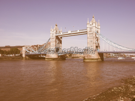 retro looking tower bridge in london