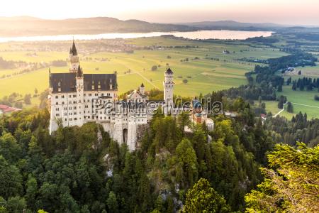 zamek neuschwanstein zachod slonca
