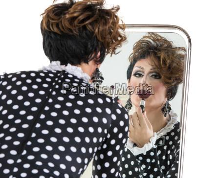 drag queen uzywac szminki w poblizu