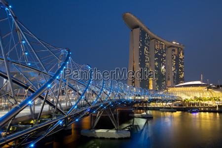 singapur marina bay helix bridge city