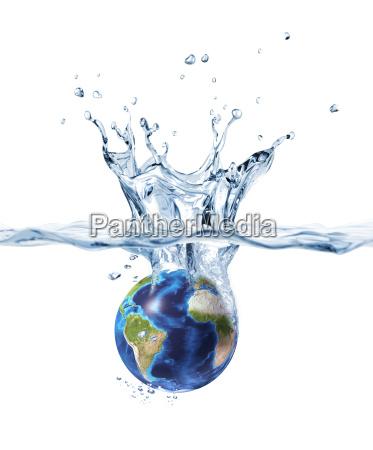 planeta ziemia pluskajaca do czystej wody