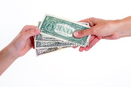 dwie rece z dolarow pienieznego
