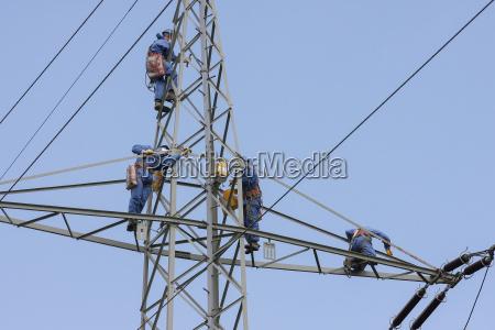 przemysl bran wysoki arbeitsschutz kletterer niebezpieczne