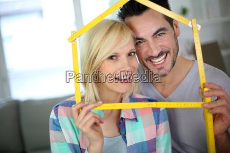 nowe szczesliwych wlascicieli nieruchomosci