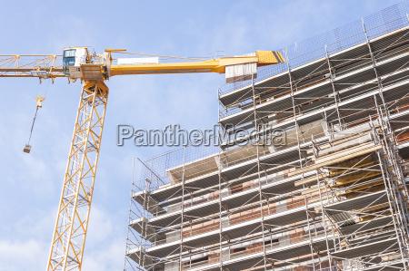 budynek, w, budowie, z, pancerzem, budowlanym - 16334003